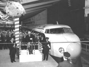 新幹線開通(1964年)